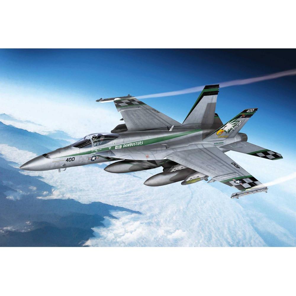 McDonnell-Douglas F/A-18E Hornet Chippy Ho 1/72 Academy  12565